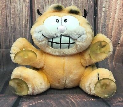 1981 Vintage Garfield the Cat Stuck On You Car Window Suction Cup Paws Plush