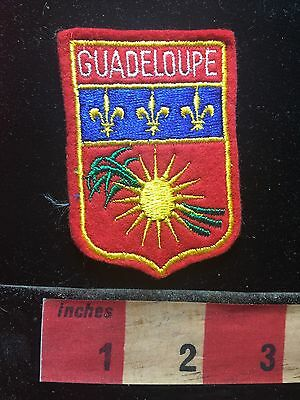 Vintage GUADELOUPE FRANCE Patch Emblem ( Europe Vacation Collectible )  71N