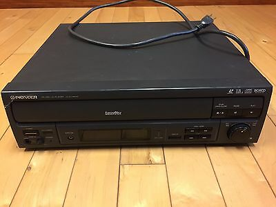 Pioneer Laserdisc Player CLD-V2600