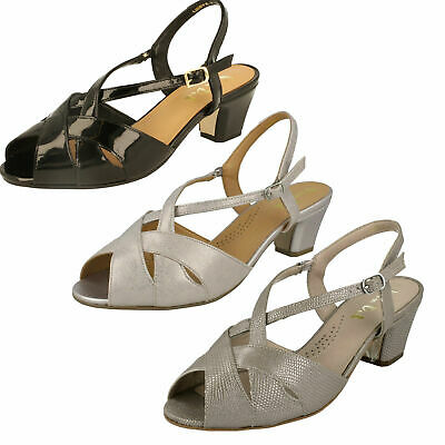 89fd42f3e1 LADIES VAN DAL Sandals - Libby II -  106.63