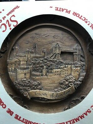 Vintage Tower Of London 3D Engraved Wood Wall Plaque In Pristine Condition