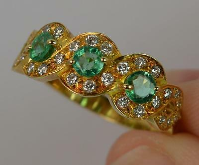 Quality Emerald and Diamond 18ct Gold Cluster Ring d0890
