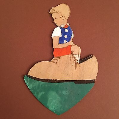 Märchen-Holzbild = Fairy Tale Wood Plaque 119: WRANGELL-KUNST 1930ER BOY IN SHOE