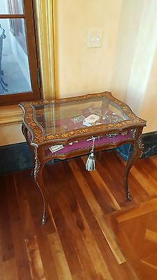 English antique display case. Victorian c 1890