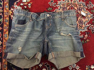 Old navy Full panel maternity jean shorts distressed size 6 new with tags
