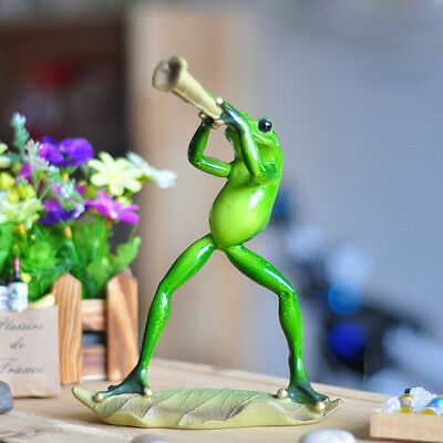 1X Green Frog Figurine Musician Play Resin Frogs Colleation Gift Decor