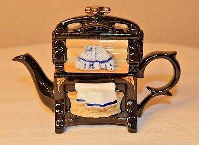Cardew Miniature Vintage Victorian Wringer Mangle Teapot Made In England
