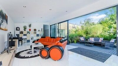 Amazing 4 Bed Contemporary House