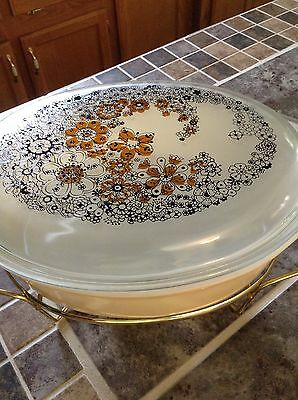 Pyrex Casserole Dish/lid And Warming Tray 2 1/2 Ot
