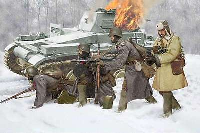 Dragon 6744 Soviet Infantry Winter 1941 1/35 Scale Model Figures 089195867445