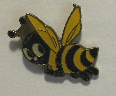 Bumble Bee Lapel Pin – Smiley Yellow & Black