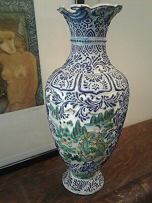 19th c. chinese vase with chinese characters to base