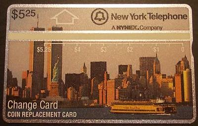 $5.25 New York Skyline By Day (World Trade Towers Above Stripe) 108D Phone Card