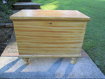 Antique 19Th C Grain Paint Pennsylvania Yellow Small Blanket Chest Box Ball Legs