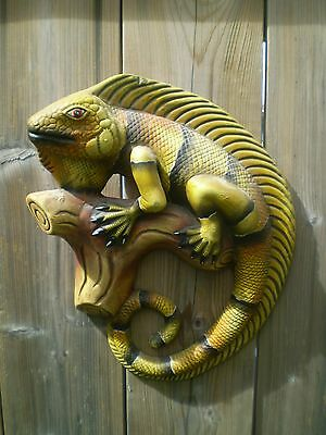 Iguana Ceramic Wall Plaque ~ Amazing Detail ~ Iguana on a Log