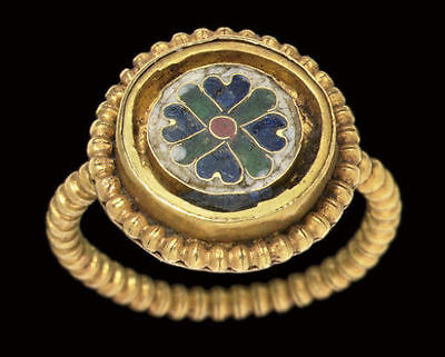 Gold Ring Bizantine. Vitrea Pasta blue. Green and white         VI d.C.
