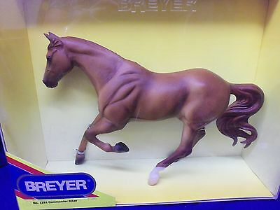 Breyer Commander Riker #1251 Quarter Horse traditional size 1:9 MIB