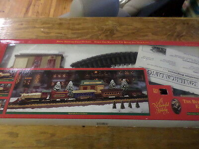 """The Bedford Falls Express """"A Wonderful Holiday"""" Christmas Train Set & Sound"""