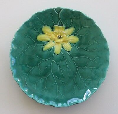 """Zell Germany Green with Yellow Water Lily 9"""" Plate"""