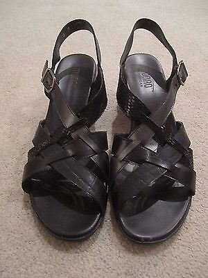 Women's MUNRO Black Ankle Strap Leather Sandals Shoes Size 8