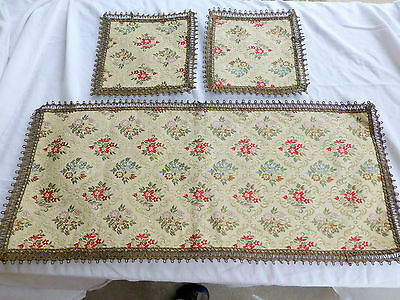 VTG 3 piece TAPESTRY TABLE RUNNER Doilie Mat Embroidered green gold red