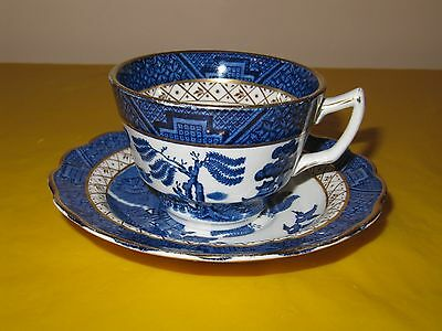 BOOTHS REAL OLD WILLOW TEA CUPS&SAUCERS, some wear on gold   (0.4/400)
