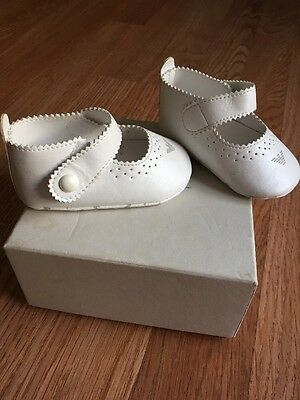 Armani Baby Girls White 17 Or 2 Crib Shoes EUC  W/ Box