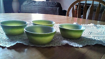 Anchor Hocking/fire King Set Of 4 Duo-Tone Green Cereal Bowls