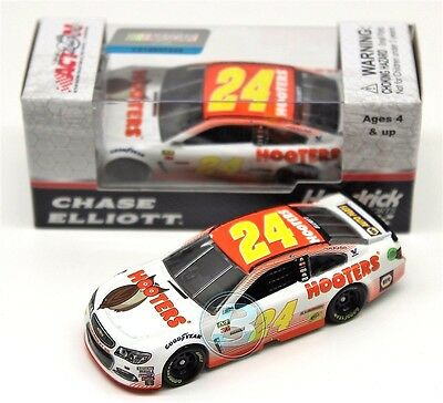2017 Chase Elliott #24 Hooter's 1/64 Nascar Diecast Free Shipping