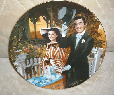 GONE WITH THE WIND Strolling in Atlanta Collectors Plate: