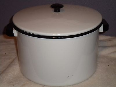Enamel Coated Stock Pot with Cover  White with Black Trim