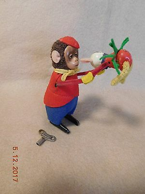 Antique 1930 Schuco Solisto Windup Dancing Monkey w Mouse & Key Germany Works