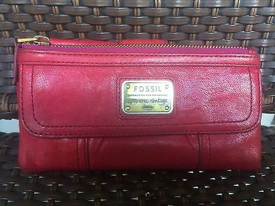 Fossil Women's Long Live Vintage Red Leather Bifold Wallet