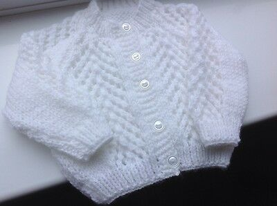 Lovely  unisex baby hand knitted White cardigan.0-3 months.approx. NEW