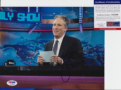 Jon Stewart The Daily Show Host Signed Autograph 8X10 Photo Psa/dna Coa #z52506