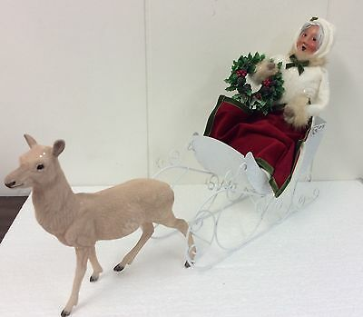 Byers Choice Caroler Mrs. Claus In White Sleigh Holding Wreath With Reindeer