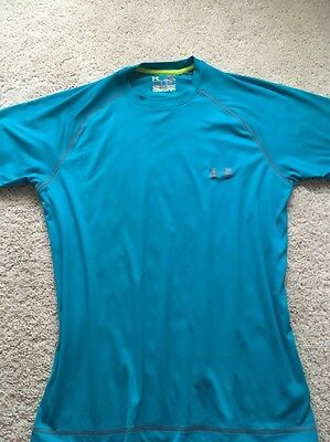 Men's Under Armour  Loose Heat Gear Shirt Small