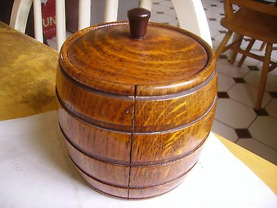 Attractive vintage wooden tea caddy dating from the 1930s onwards
