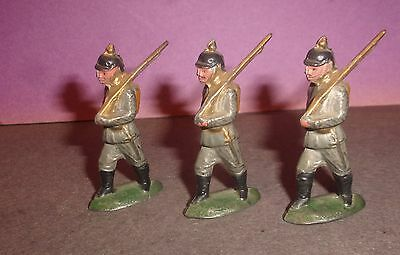 Lot of Vintage Marching WW1 Soldiers