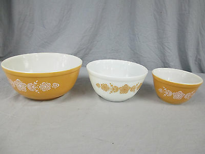 "Lot of 3 Vintage Pyrex Bowls ""Unmarked- 1 1/2Qt.- 1 1/2Pt."" Floral Pattern"