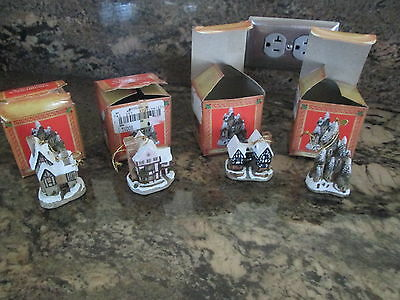 David Winter Cottages  Christmas Ornaments Lot Of 4