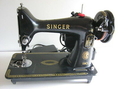 1950s Singer Sewing Machine Model 99k with accessories