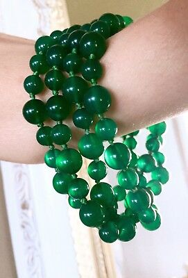 RARE vintage or antique Chinese Emerald Green Chalcedony necklace