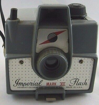 VINTAGE 1960s IMPERIAL MARK XII CAMERA