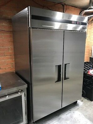 Skope Dual Commercial Fridge freezer Like New With Warrenty & Delivery