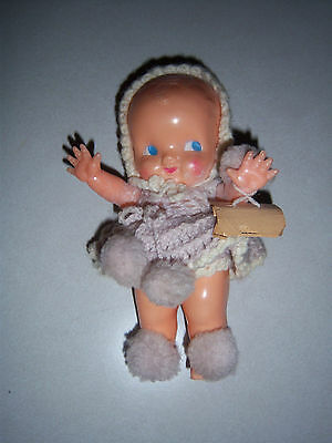 HTF ADORABLE Vtg IRWIN KEWPIE TYPE PLASTIC Doll  DISPLAY/TOY CROCHET OUTFIT