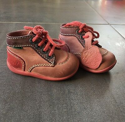 Chaussures kickers taille 18