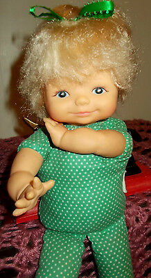 VINTAGE EeGEE DOLL GOLDBERGER 12 INCH 1960,S