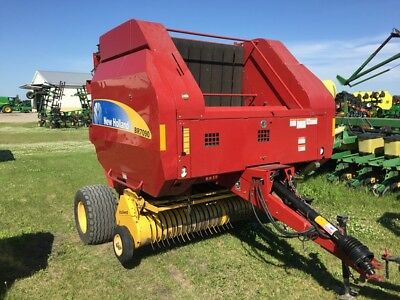 2009 New Holland BR7090 Round Balers