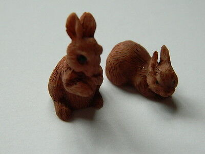 (G4.22) Dolls House Pair Of Resin Brown Rabbits